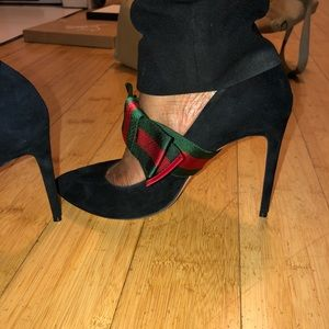 d38add8c835 Gucci Shoes - Brand New Gucci Pump with removable bow